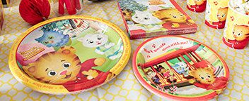 Daniel Tiger Tableware