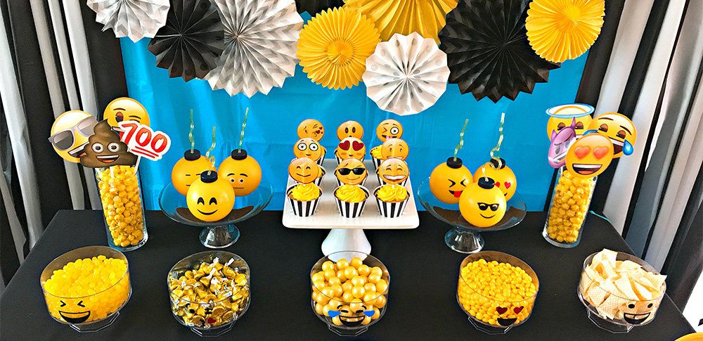 Auxiliary Image 1Emoji Party Ideas
