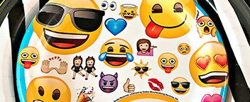 Auxiliary Image 1Emoji Party Ideas - Tableware