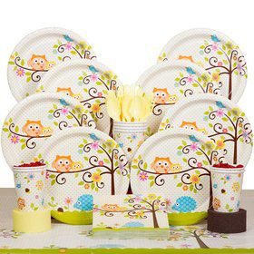Happy Tree Party Deluxe Tableware Kit Serves 8